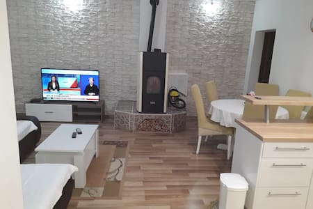 Apartmani Misirevi Dvori - Three Bedroom Apartment