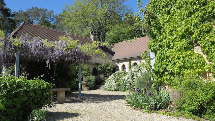Trésor caché à Montignac-Lascaux. - Montignac-Lascaux - Bed & Breakfast