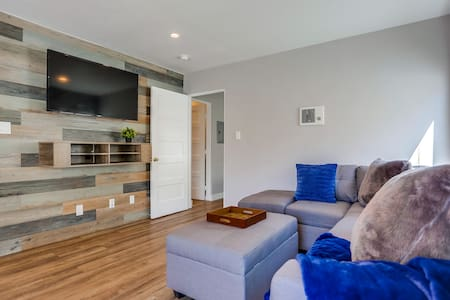 Renovated Bay Side Condo