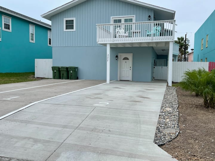 Southbay 2  Duplex, shared pool, private patio