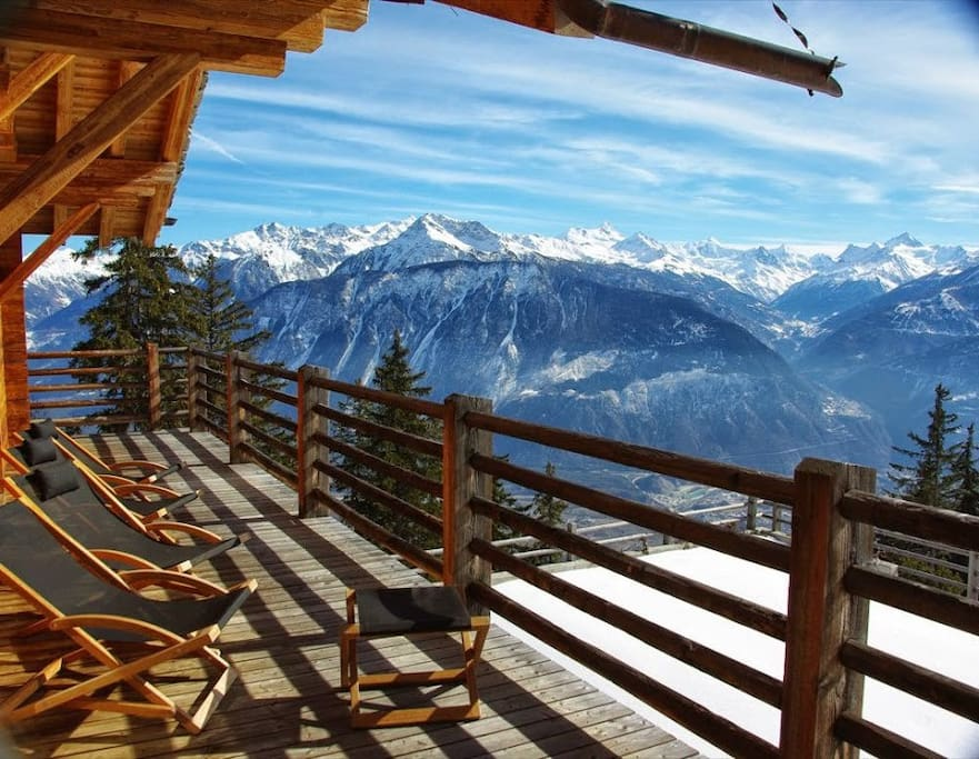 Huge sunny terrasse