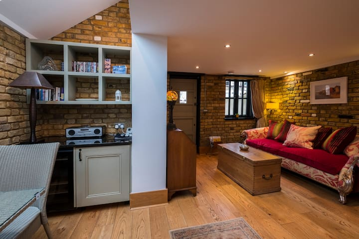The Stable, 5* Boutique Accomodation, dog friendly - Southend-on-Sea - Huis