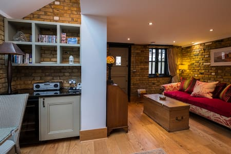 The Stable, 5* Boutique Accomodation, dog friendly - Southend-on-Sea - Casa