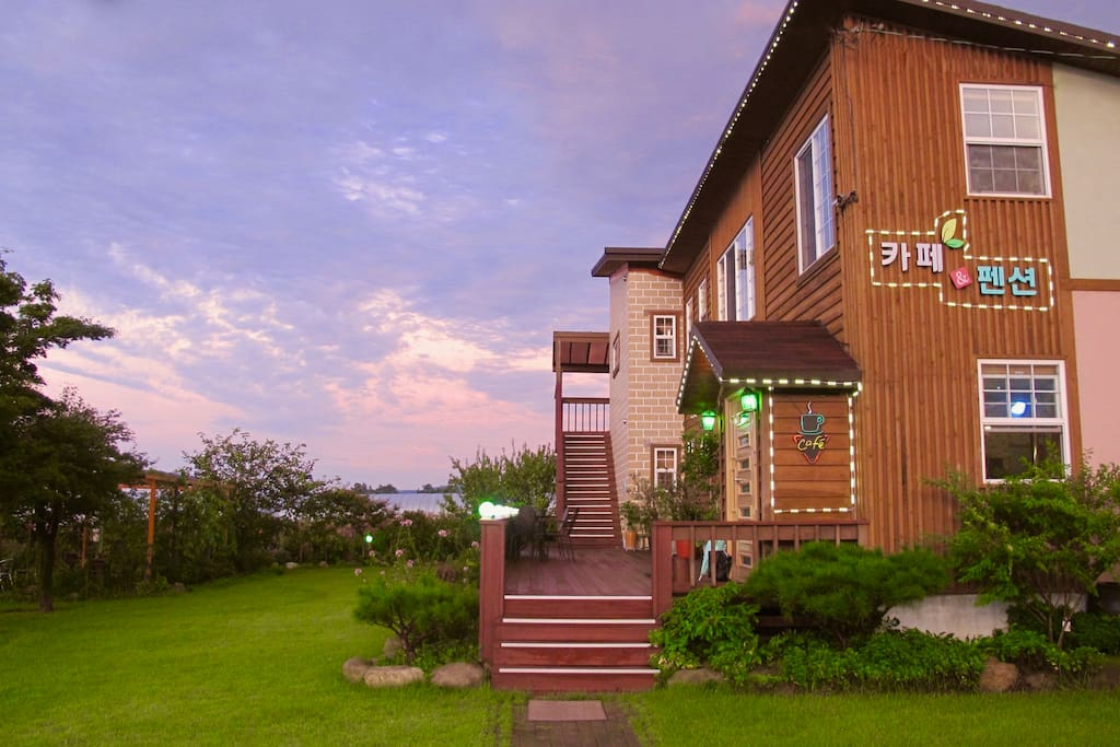 Healing Camp Yesone (Cafe/Guest House)