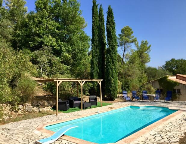 Maison de Provence avec piscine et grand jardin