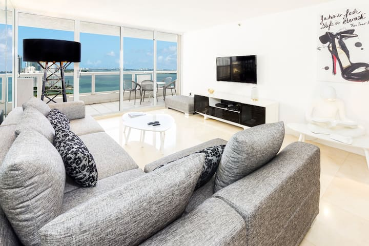 INCREDIBLE LUXURY 4 BR-2BATH-BAY VIEW&CITY VIEW !