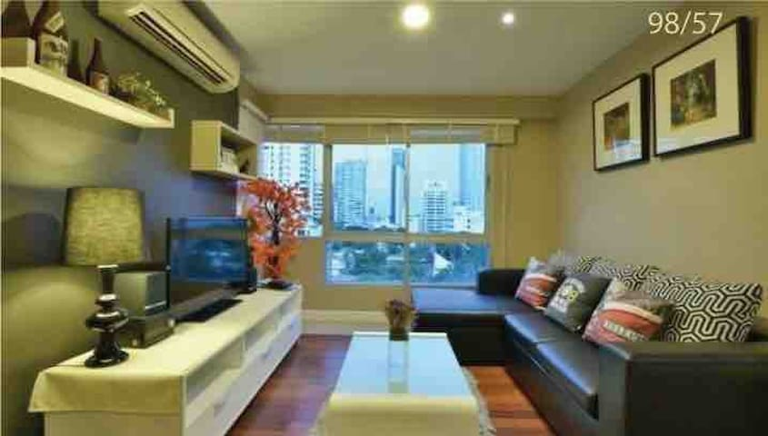 Large living area.  Nice view.  Great sunlight  TV and android box with netflix is provided.