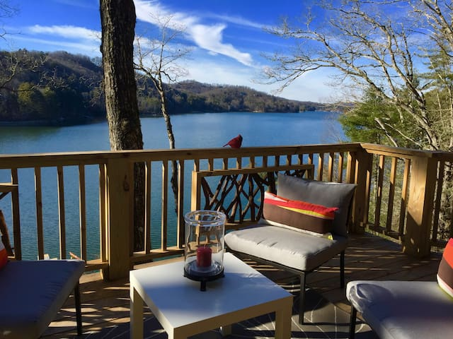 Secluded Lake Glenville Compound Prime Lake View