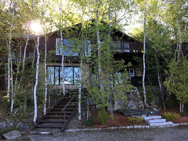 Waterfront Cottage on Drews Lake