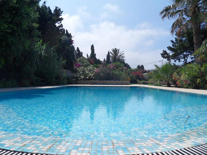 Belle maison & piscine, La Corniche, Bizerte