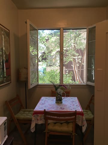Charming Studio in Best South Pasadena Location! - South Pasadena