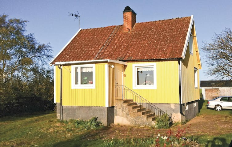Holiday cottage with 2 bedrooms on 90m² in Degerhamn