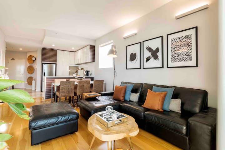 Stylish Executive Apartment in CBD