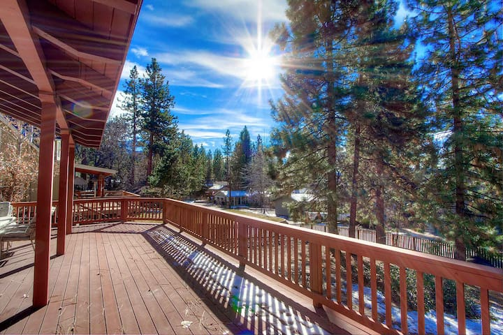 Gated Community Cabin w/BBQ on Large Deck, Private Beach, Pets OK (NVH0623)