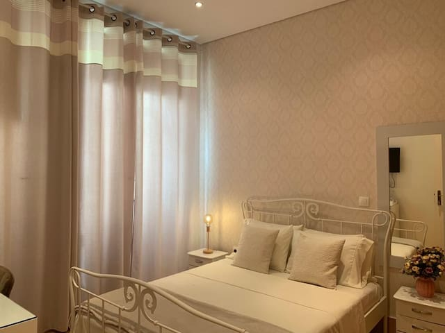 LOVELY DOUBLE BEDROOM - PLATEAU - CITY CENTER
