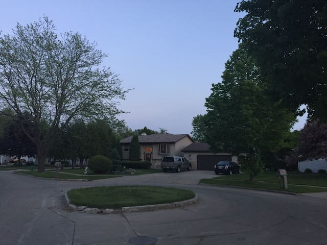 Backyard Paradise - Appleton - Casa