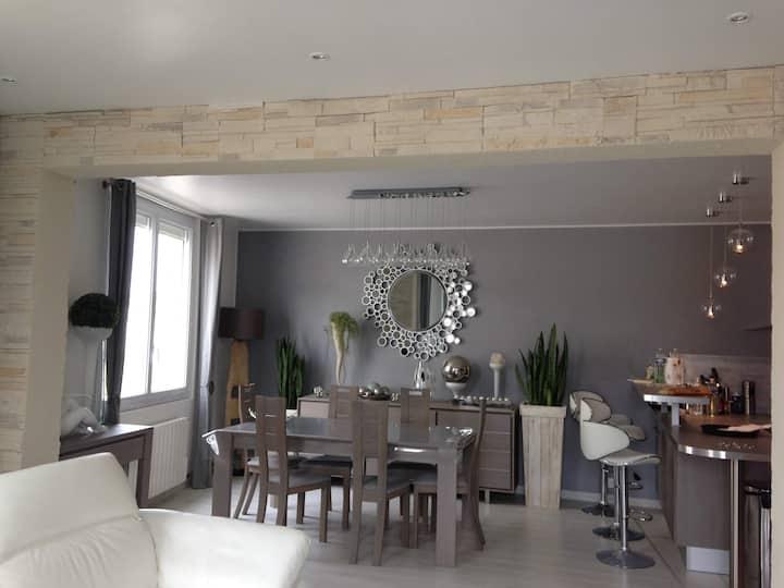 Appartement standing 40mètres plage avec terrasse