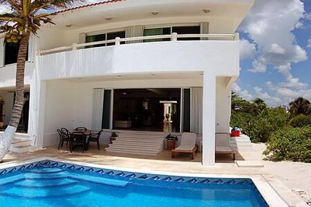 Villa Turquesa Akumal beachfront up to 8 bedrooms!
