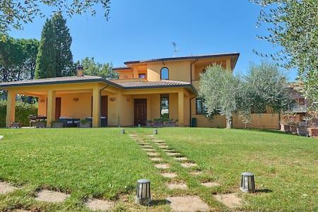 Appartamento in splendida villa vicino a Perugia - Marsciano