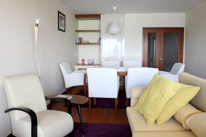 Apartment with 2 bedrooms in Matosinhos, with wonderful sea view, shared pool, enclosed garden - 100 m from the beach