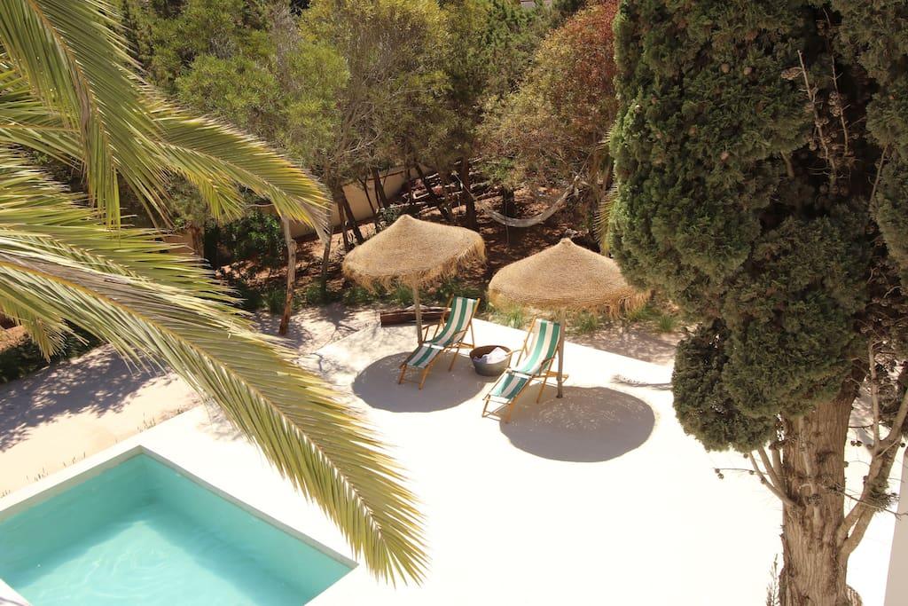 sand garden around the natural salt sea pool