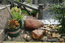 前海民宿   (南山寺附近野海风情)双标房   内设卡拉OK、麻将、烧烤,茶厅、咖啡果汁服务