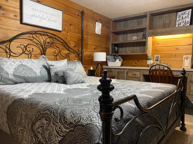 King suite on Cattle Ranch, Tranquil setting