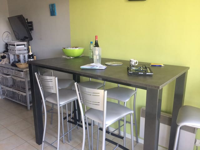 Petit appartement proche du centre de Pontarlier - Pontarlier - Apartment