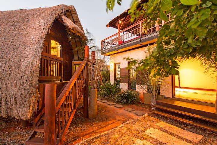 Papaya Moon Retreat Accommodation 2 - Cable Beach - Bed & Breakfast