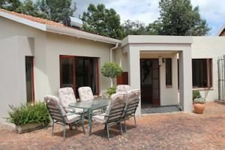 Executive room 13min from OR Tambo airport