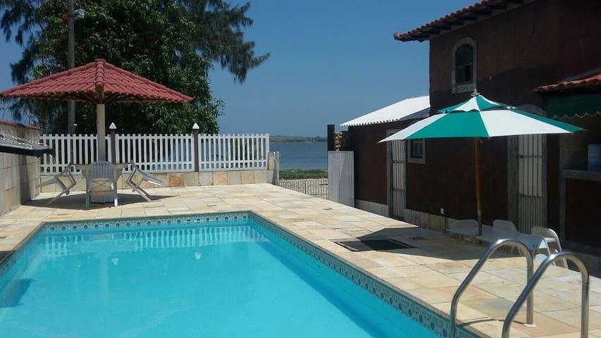 Araruama Casa frente lagoa com linda Vista