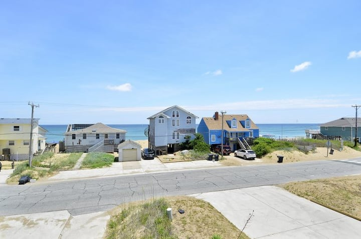 4070 Sea Spray * 1 Min Walk to Beach * Ocean Views