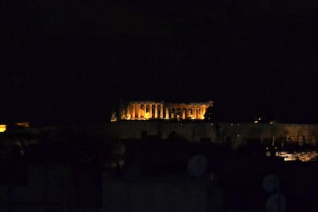 ☆ACROPOLIS VIEW! LIVE AS A LOCAL! Wifi/AC☆