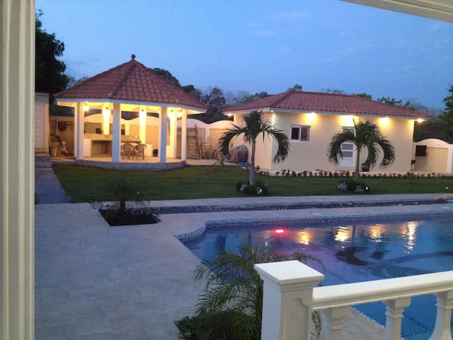 Spacious Guest House in Coronado Golf and Resort
