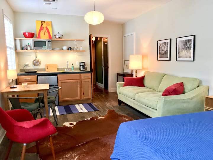 Bywater Guest Studio with private entrance & porch
