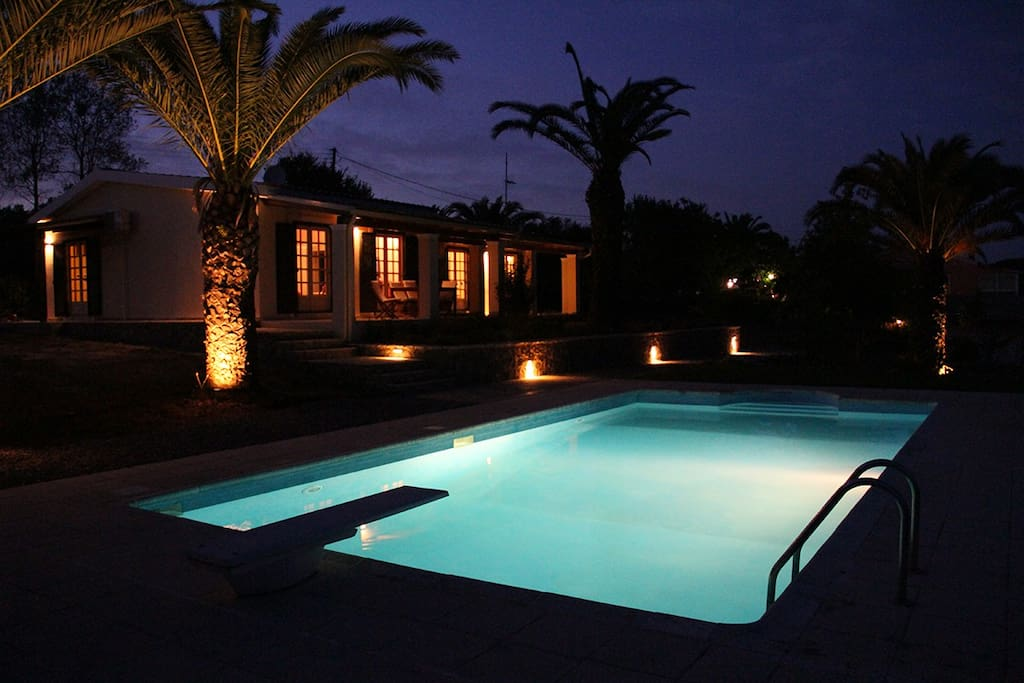 Night view of the villa.
