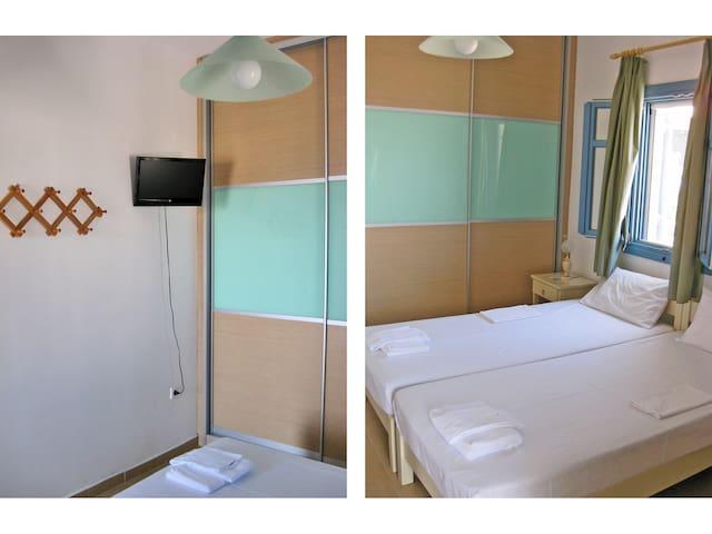 2nd floor; bedroom 1 • 2ème étage; la chambre 1 • Secondo piano; la camera 1 • 2ος όροφος; υπνοδωμάτιο 1