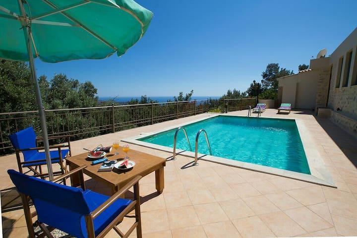 Relax in Triopetra-View Libyan Sea! - Rethimnon - Huis