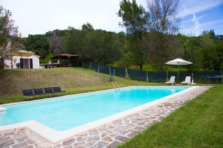 Podestà farmhouse - Fratte Rosa - Villa