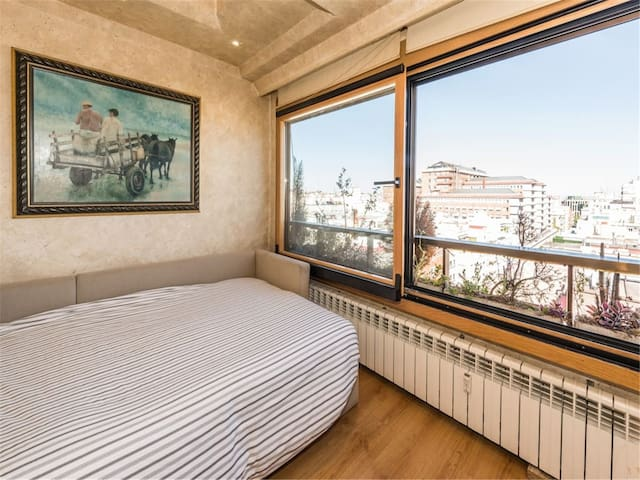 Hardcover apartment in the city center.