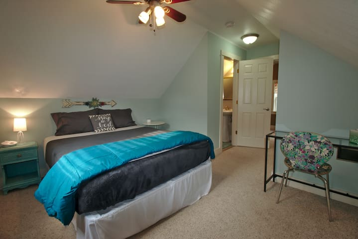 Clean, Quiet and Family-Friendly Home