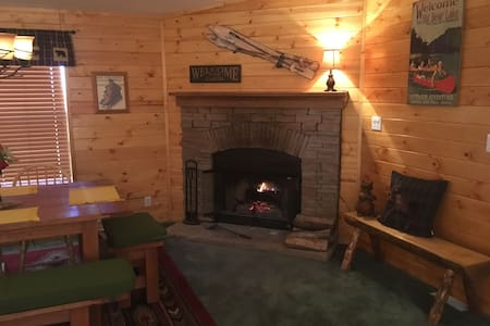 Relaxing and Spacious Cabin Retreat. Comfy beds! - Maison