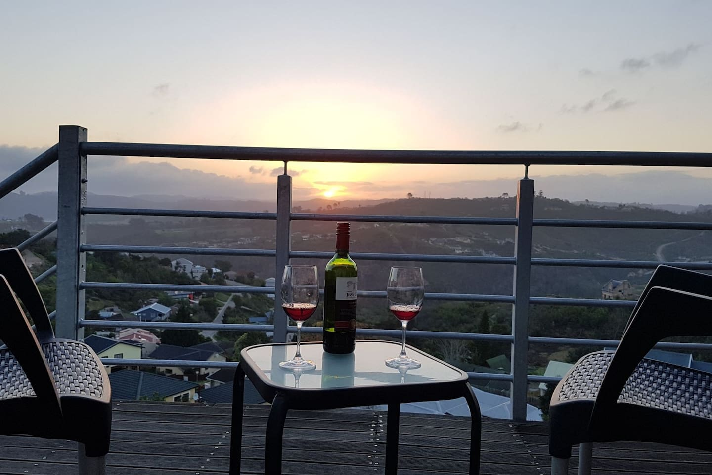 Panoramic view and sundowners on the deck