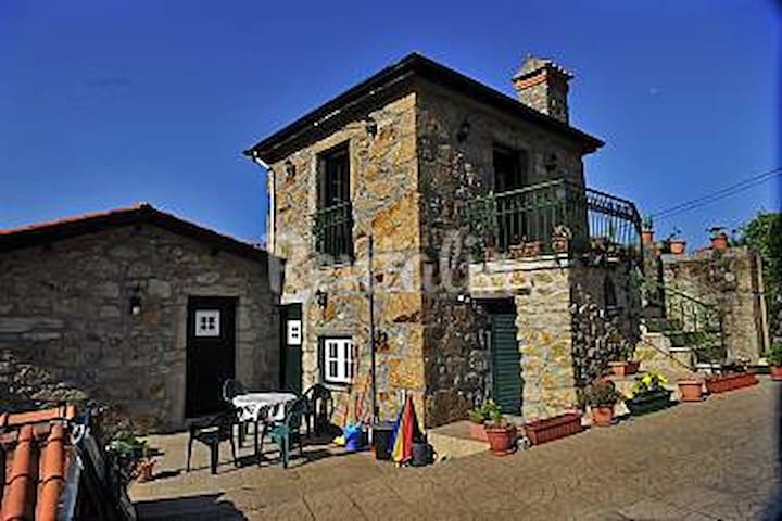 Magic Mountains-O´Porto and Aveiro - Codal - House