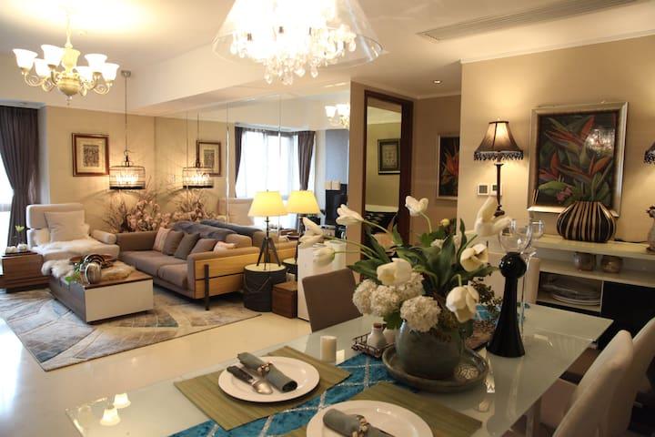 近天津站9号线海河一线香格里拉酒店高层公寓 - Tianjin - Leilighet