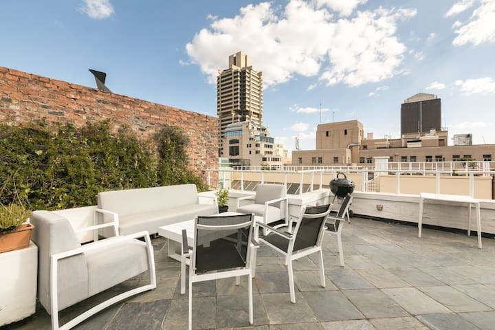 3 Floor City Center Penthouse+ Rooftop Pool Access