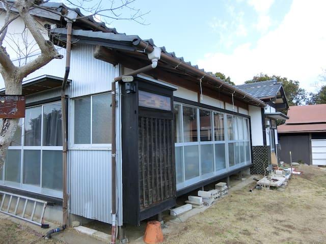 日本式全和室一棟貸屋。農家 駐車場無料 畳個室部屋 蓮沼ウォーターガーデン近く 成田空港行きバス
