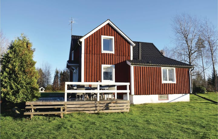 Awesome home in Lönashult with 4 Bedrooms