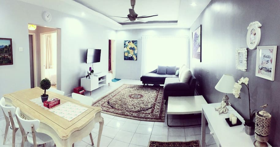 Little Cosy House @10 , your home in KL!