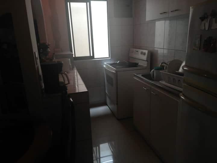 Habitación segura y cómoda para máximo dos persona